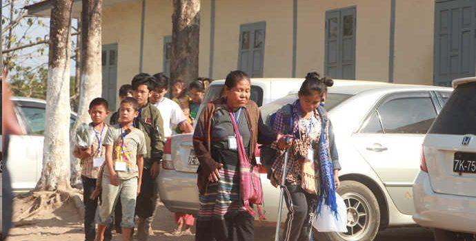 အုန်းဖျန်စခန်းမှ ဒုက္ခသည် ၂ဝဝခန့် မြဝတီကြိုဆိုရေးစခန်းသို့ ရောက်ရှိ